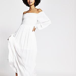 Witte shirred bardot maxi-jurk met lange mouwen
