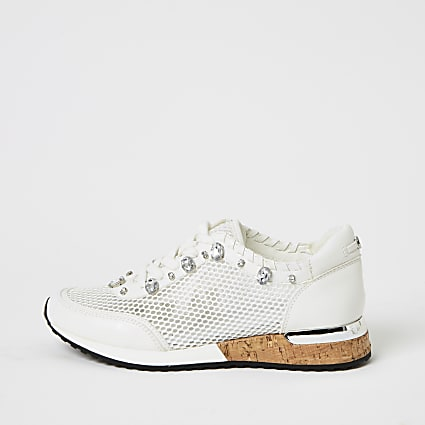 White mesh gem runner trainers