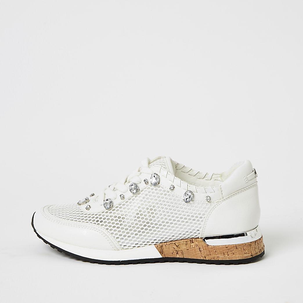 White mesh gem runner trainers