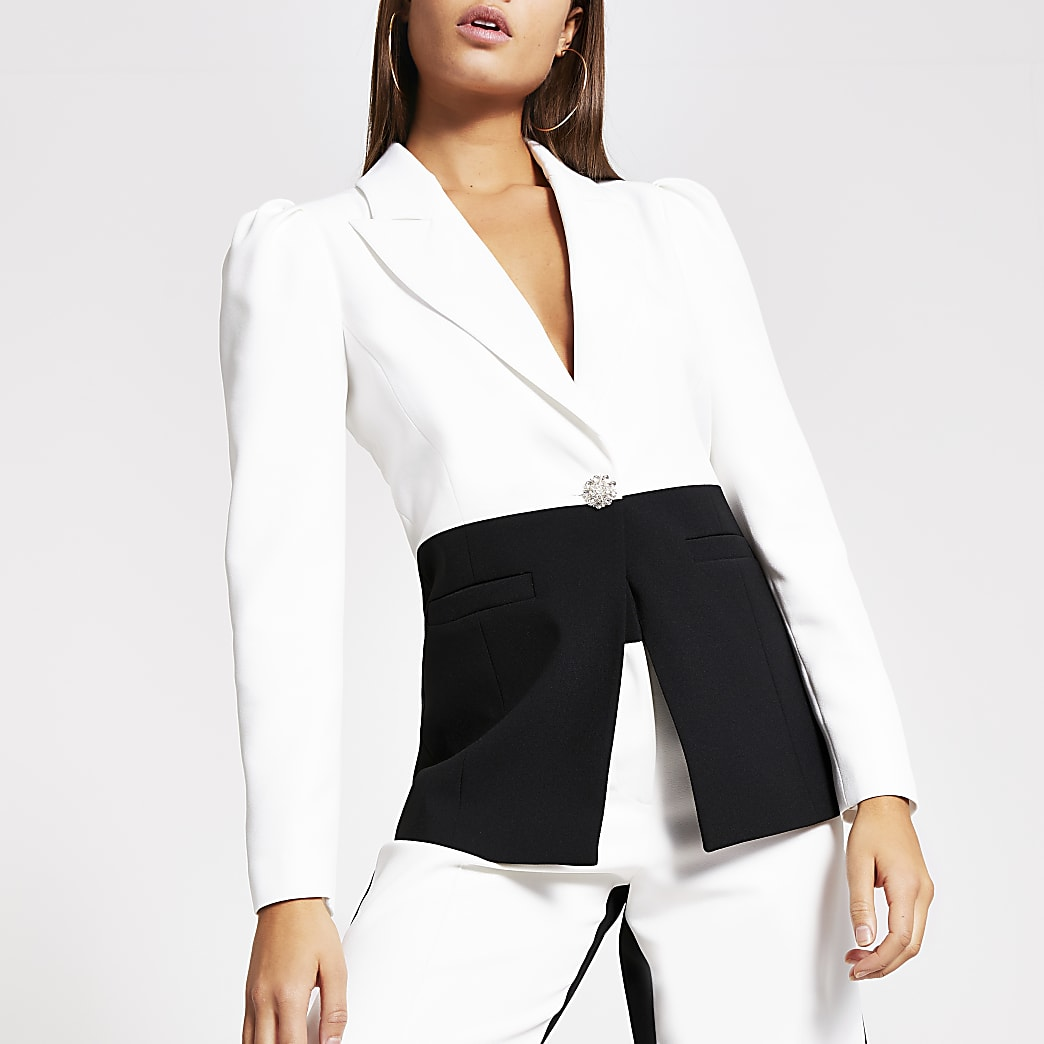 White monochrome puff sleeve blazer