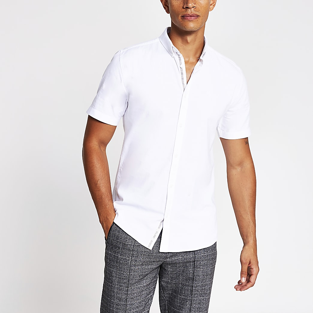 White muscle fit short sleeve oxford shirt