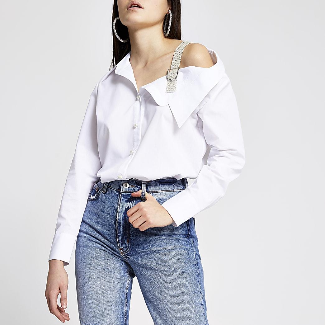 Schulterfreie Bluse in Weiß mit Perlen- Schulterträger