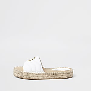 Witte doorgestikte espadrille sandalen met RI-embleem