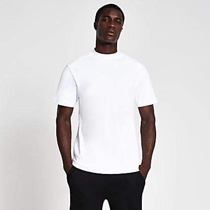 White regular short sleeve t-shirt