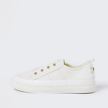 White RI eyelet pull on trainers