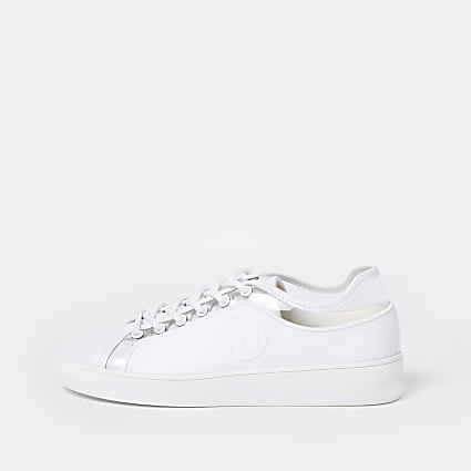 White RI rubberised lace up plimsoles