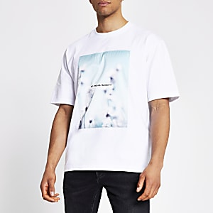 Weißes Box Fit Satin-T-Shirt mit bedruckter Vorderseite