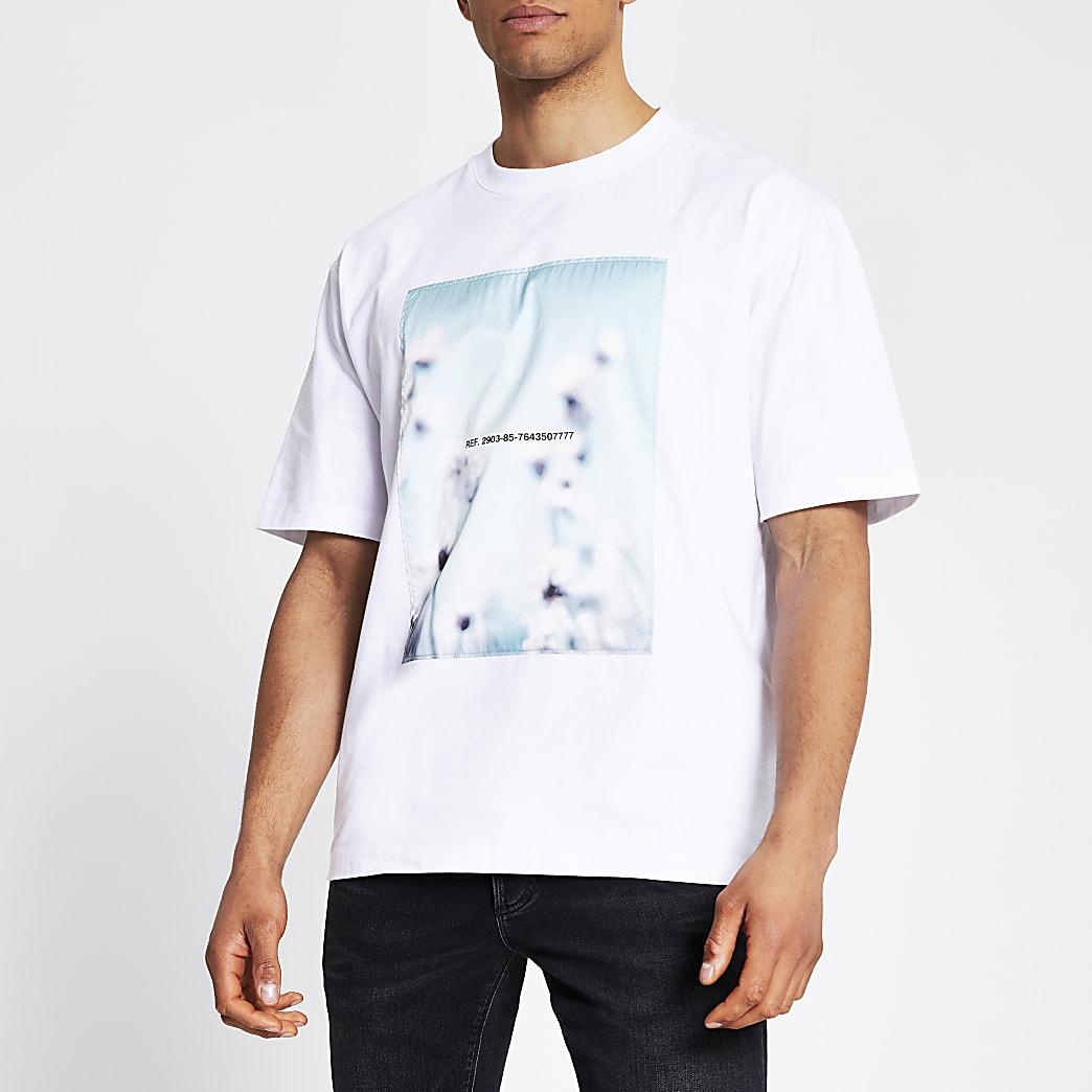 Wit satijnen box fit T-shirt met print aan voorzijde
