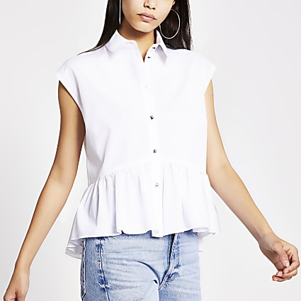 White short sleeve high low shirt