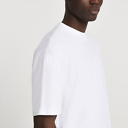 White short sleeve oversized t-shirt