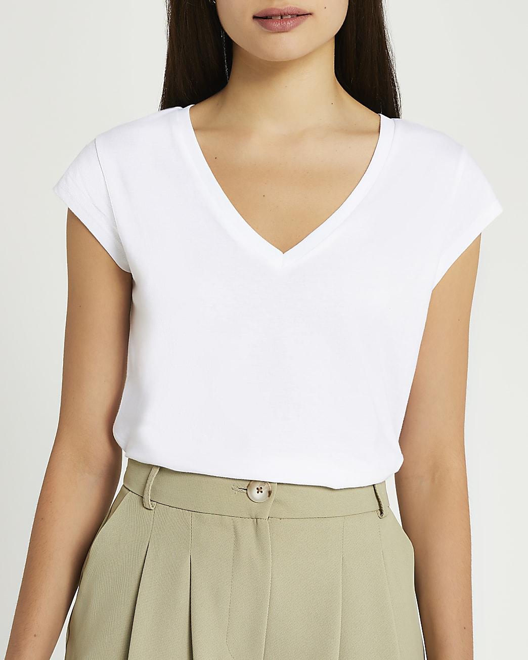 White short sleeve v-neck t-shirt
