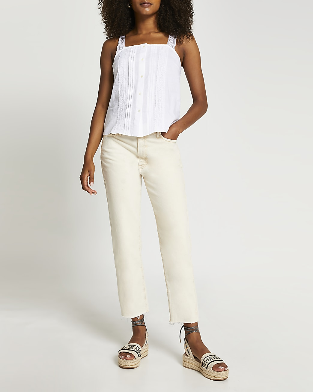 White sleeveless lace cami top