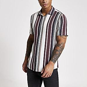 Weiß gestreiftes, kurzärmeliges Slim Fit Hemd