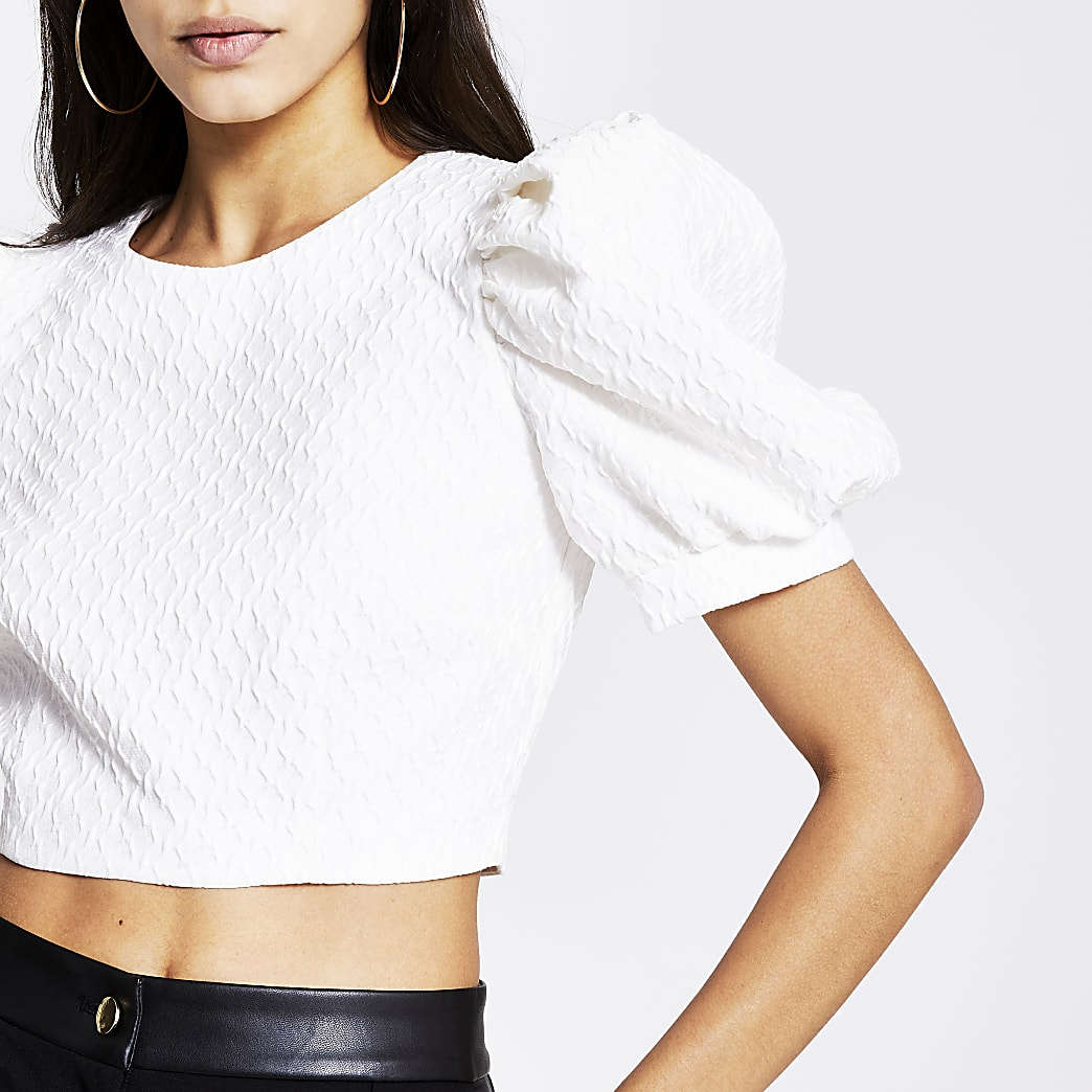 White textured short puff sleeve cropped top