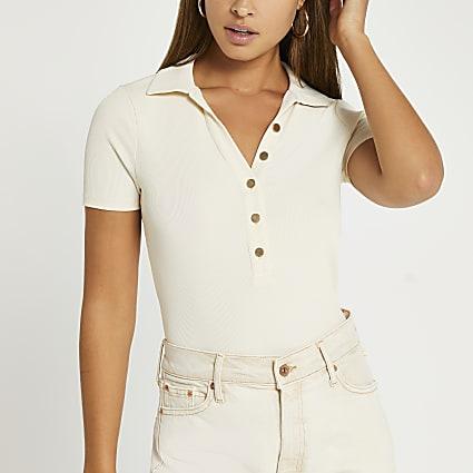 White v-neck short sleeve top