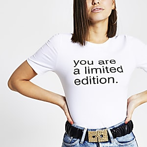Wit T-shirt met 'You are limited edition'-print