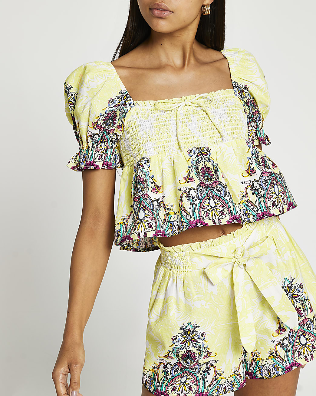 Yellow lace print puff sleeve crop top