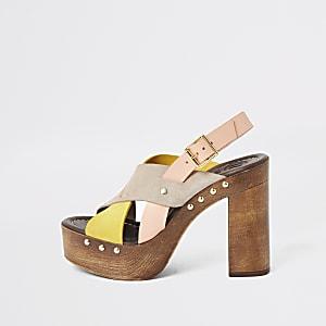 Sandales plateforme croisées en cuir jaune