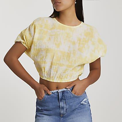 Yellow short sleeve tie dye crop top